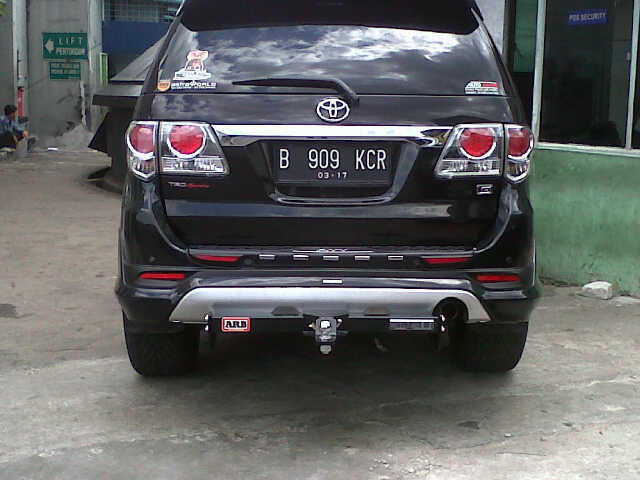 TOWING FORTUNER HITAM